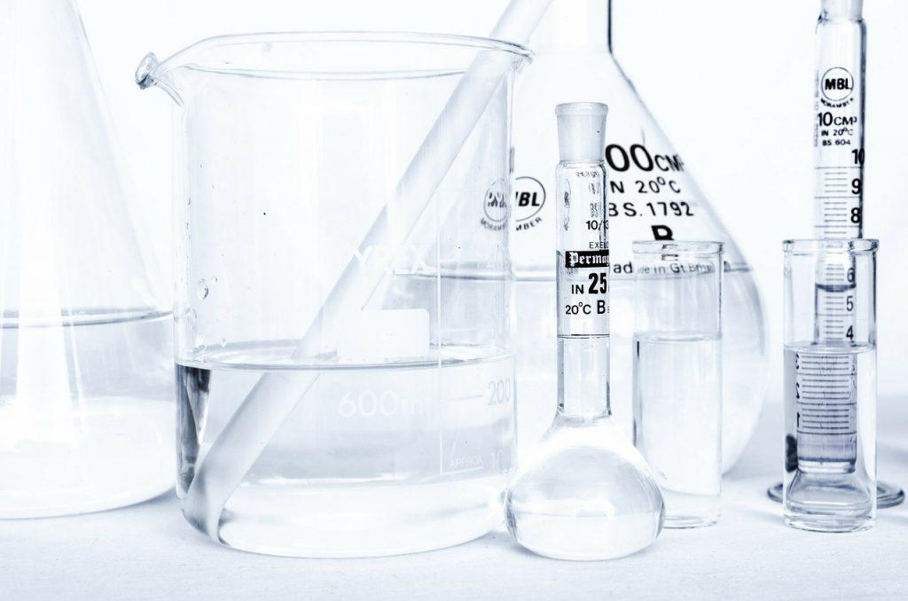 Labor Glaskolben Gefäße Meßbecher